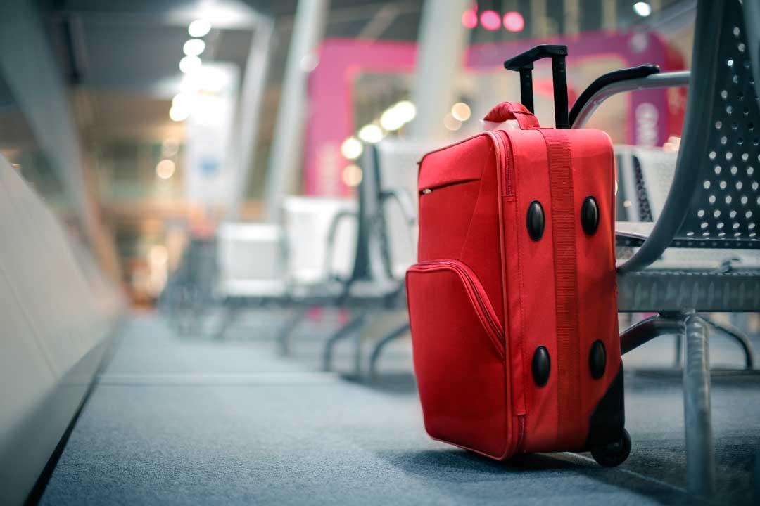 El absurdo (pero eficaz) truco para que jamás te roben la maleta