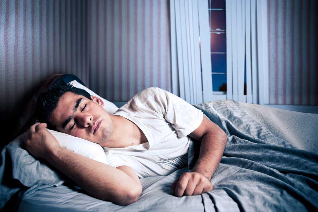 Este es el número de horas que debes dormir según tu edad