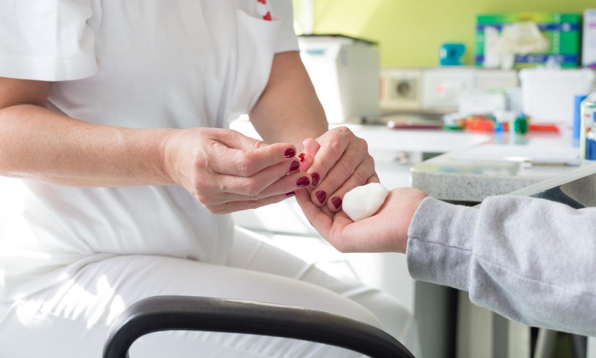 ¿Por qué existen diferentes tipos de sangre y por qué no se pueden mezclar?