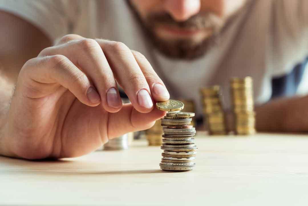 Así deberías invertir el dinero según tu edad