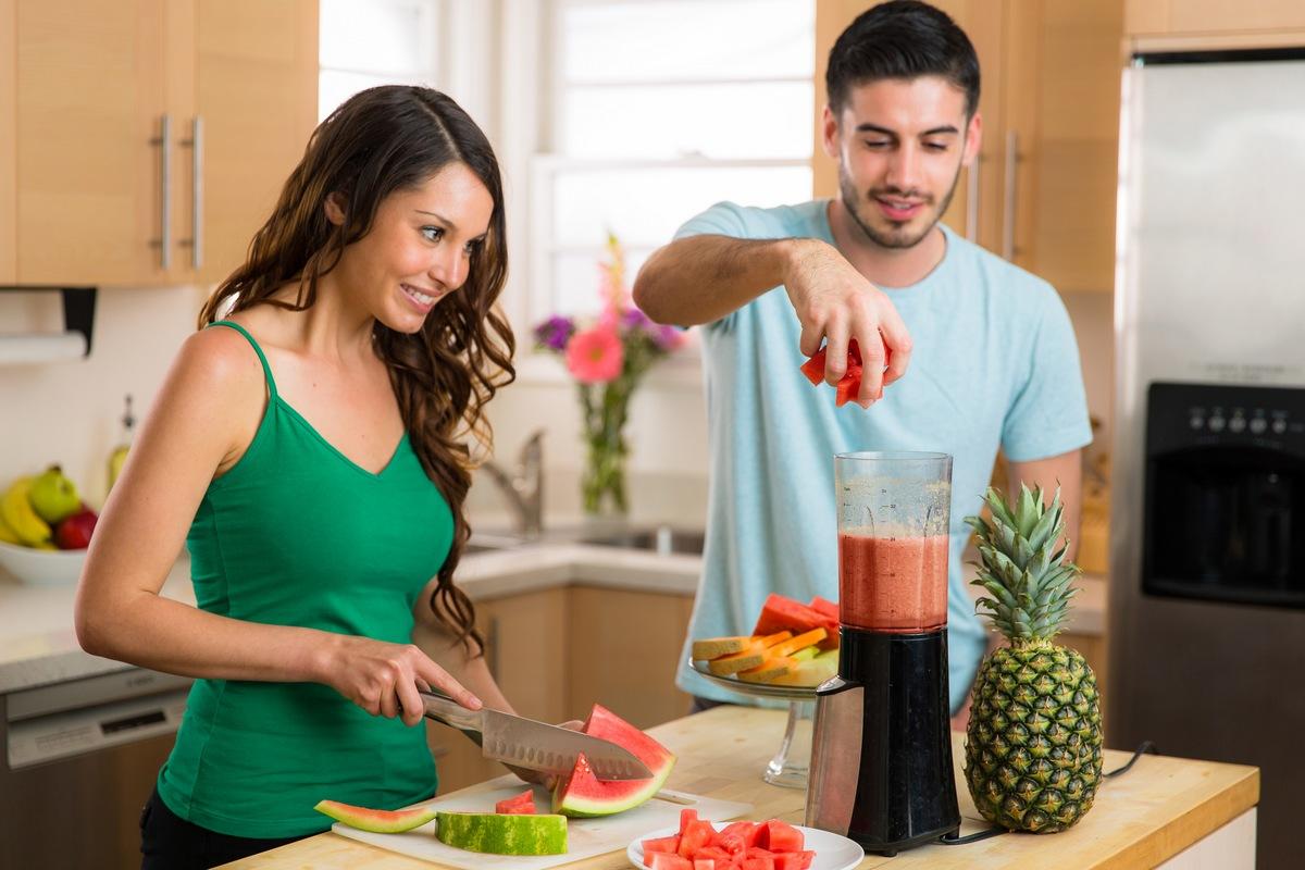 Los hombres adelgazan más rápido que las mujeres con la misma dieta, según la ciencia