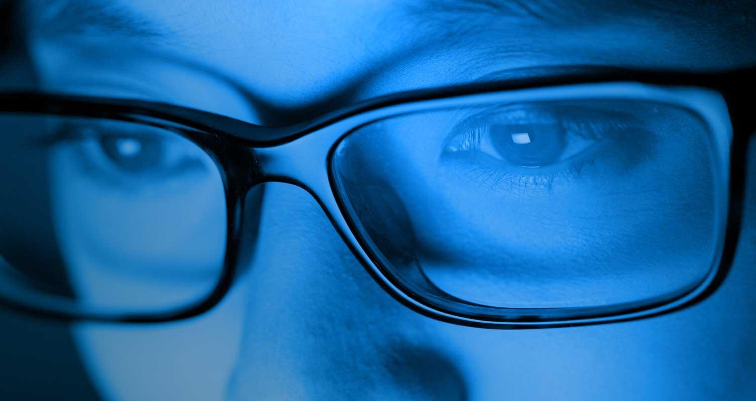 La luz azul es perjudicial para nuestra vista, y han descubierto el motivo   Tecnología - ComputerHoy.com