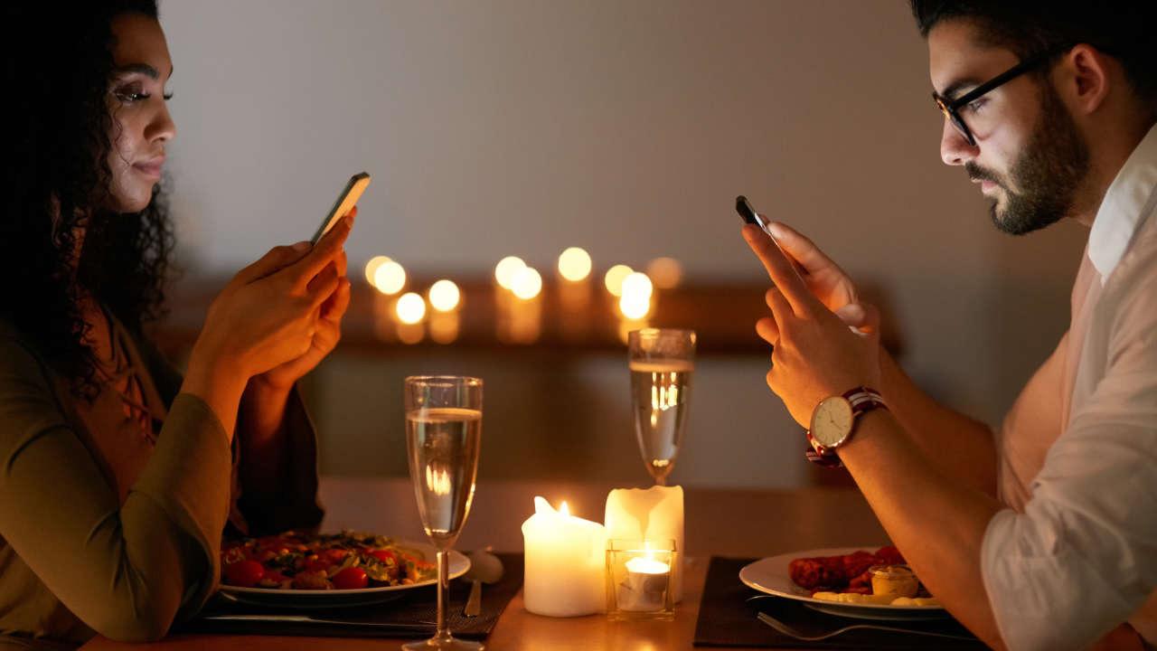 Los móviles hacen que nos distraigamos, incluso después de haberlos usado