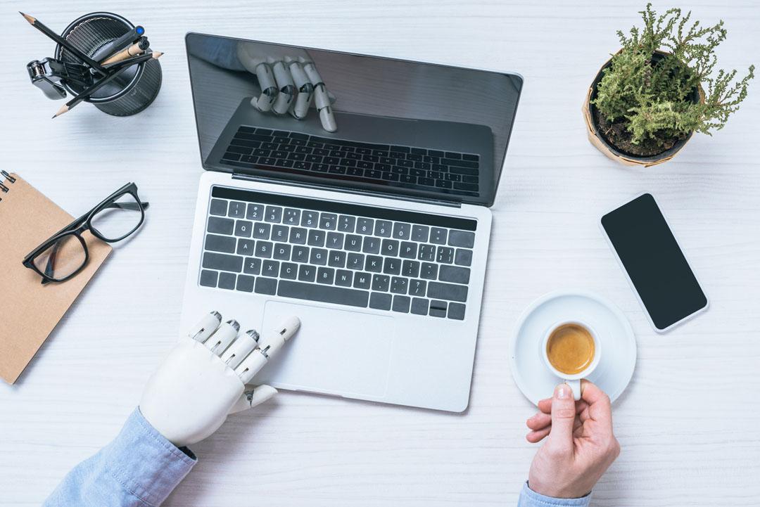 Cada vez más reclutadores son robots: así debes elaborar tu CV en 2018