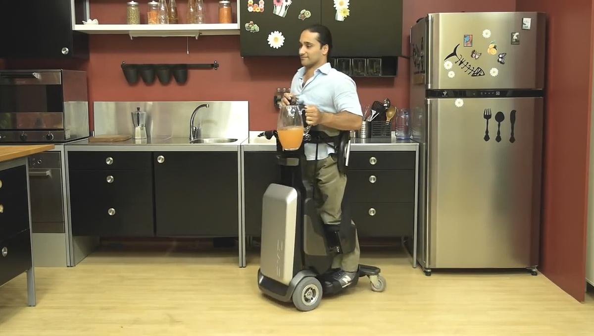 Tek RMD, la silla de ruedas para moverse de pie y hacer ejercicio