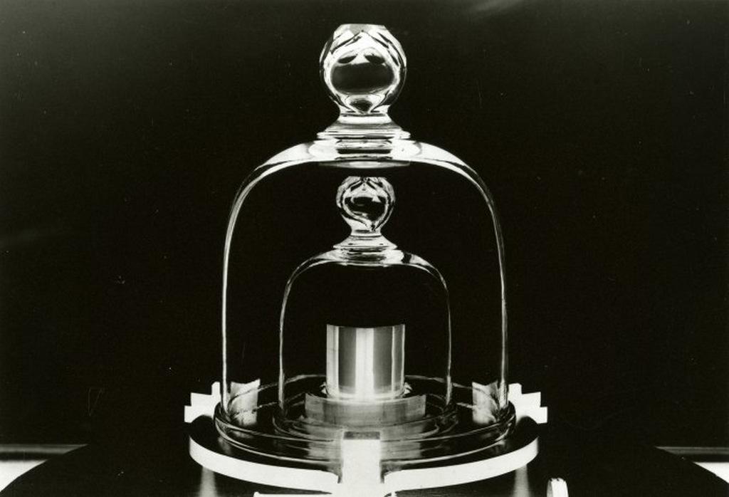 Después de 130 años, mañana cambia lo que pesa un kilogramo