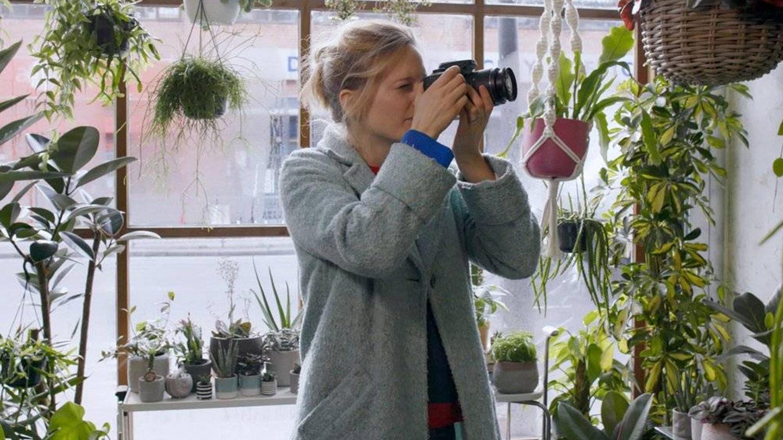 Canon EOS 4000D, en oferta por 257€ en Amazon España: justo la cámara réflex que necesitas para iniciarte