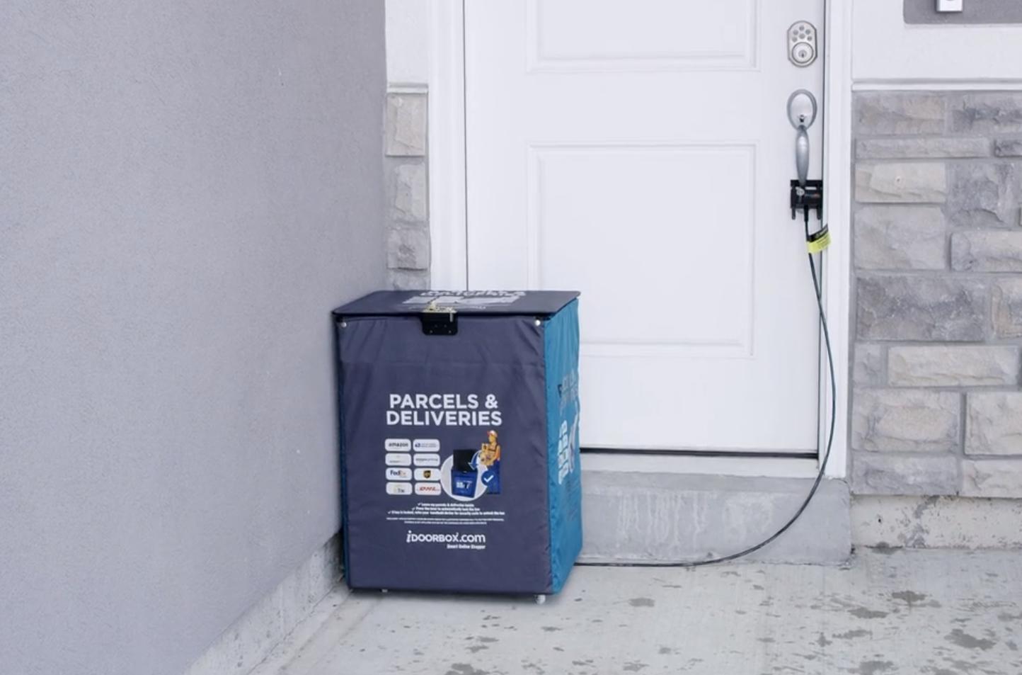 iDoorBox, un sistema para que Amazon te deje los paquetes en casa, cuando no estás en casa