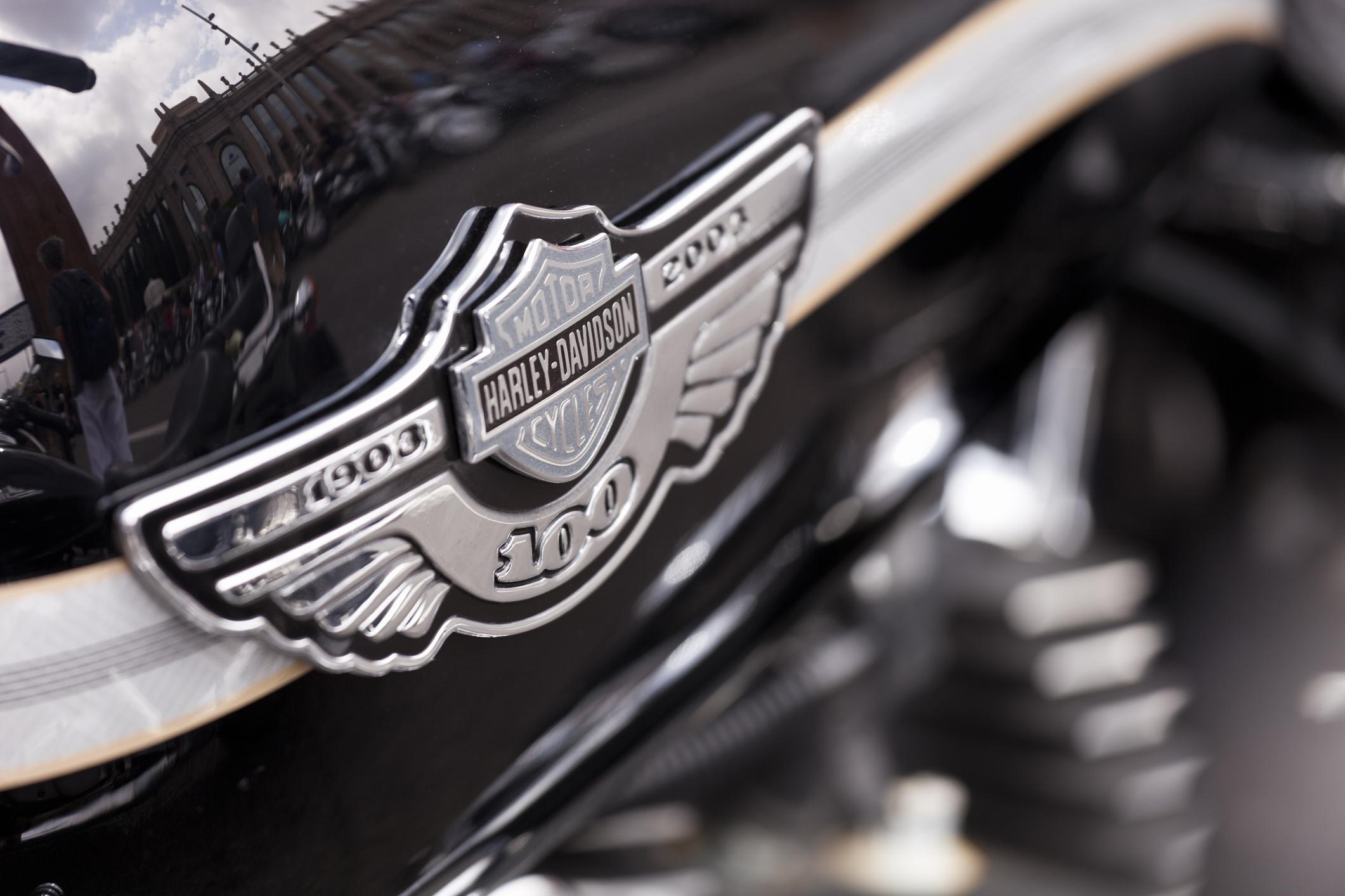 Subastada la Harley-Davidson de Elvis por una fortuna, aunque por menos dinero del esperado