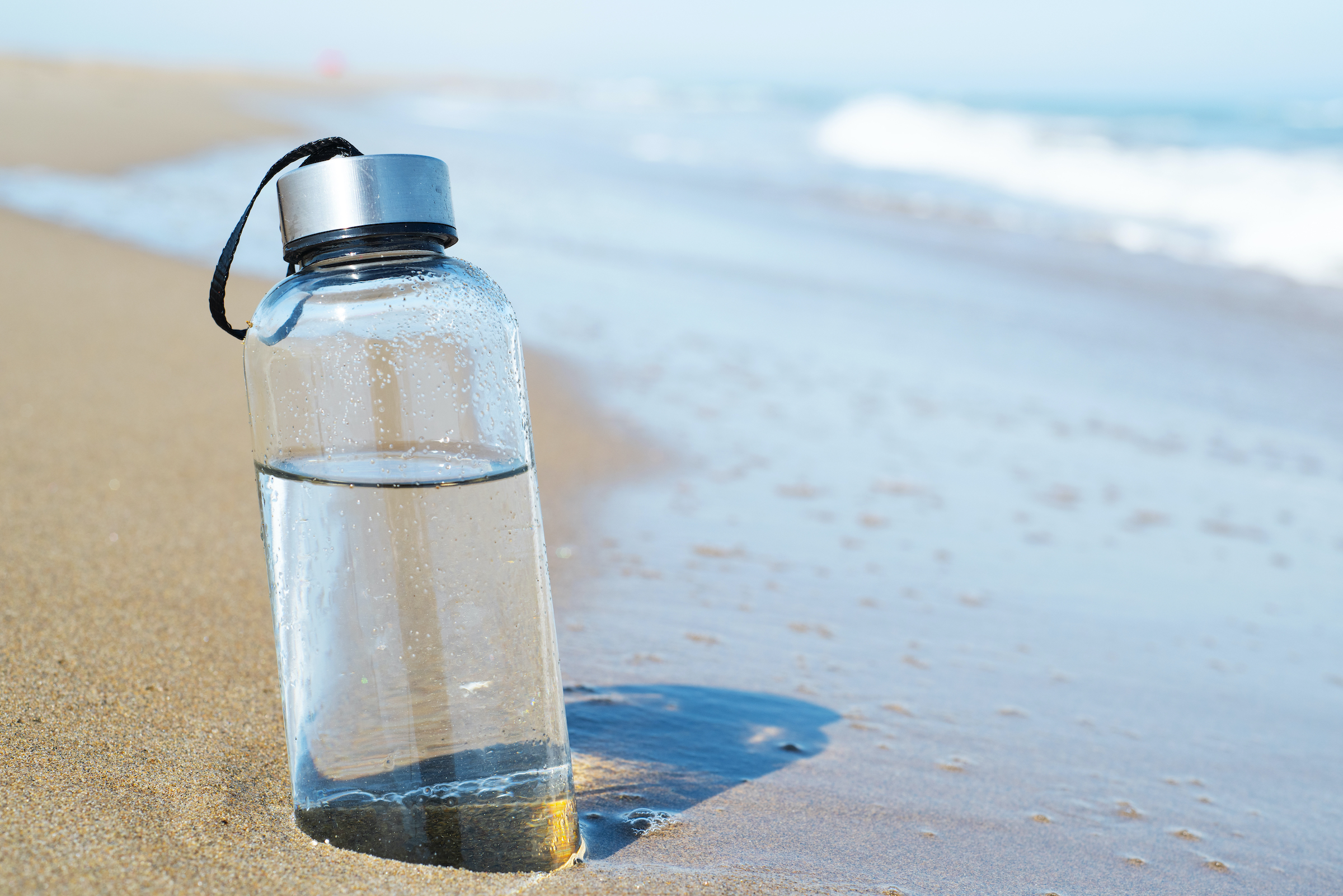 Convierten agua de mar en agua potable en menos de 30 minutos con luz solar | Life - ComputerHoy.com