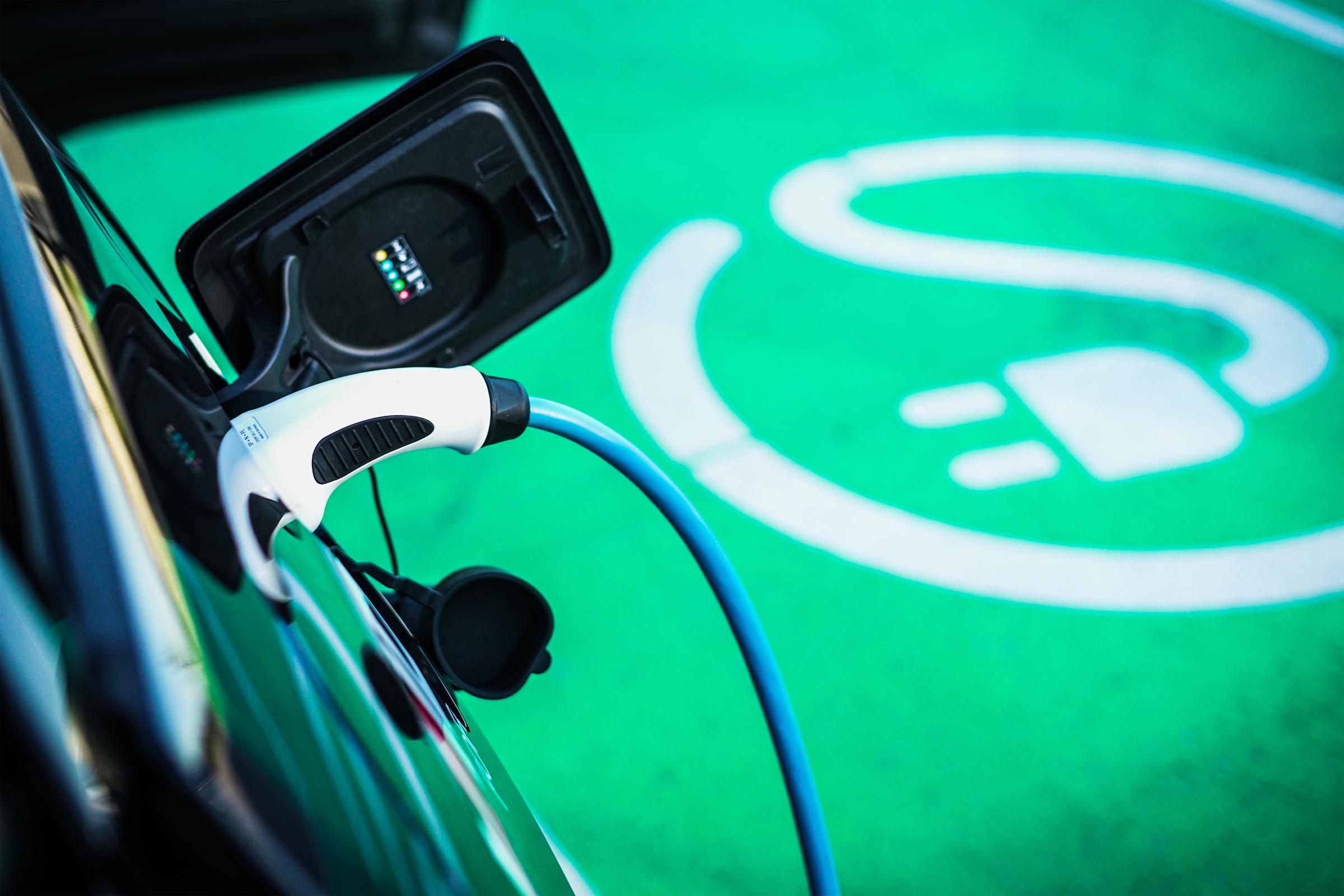 Cargar la batería de un coche en 10 minutos será posible gracias a esta tecnología