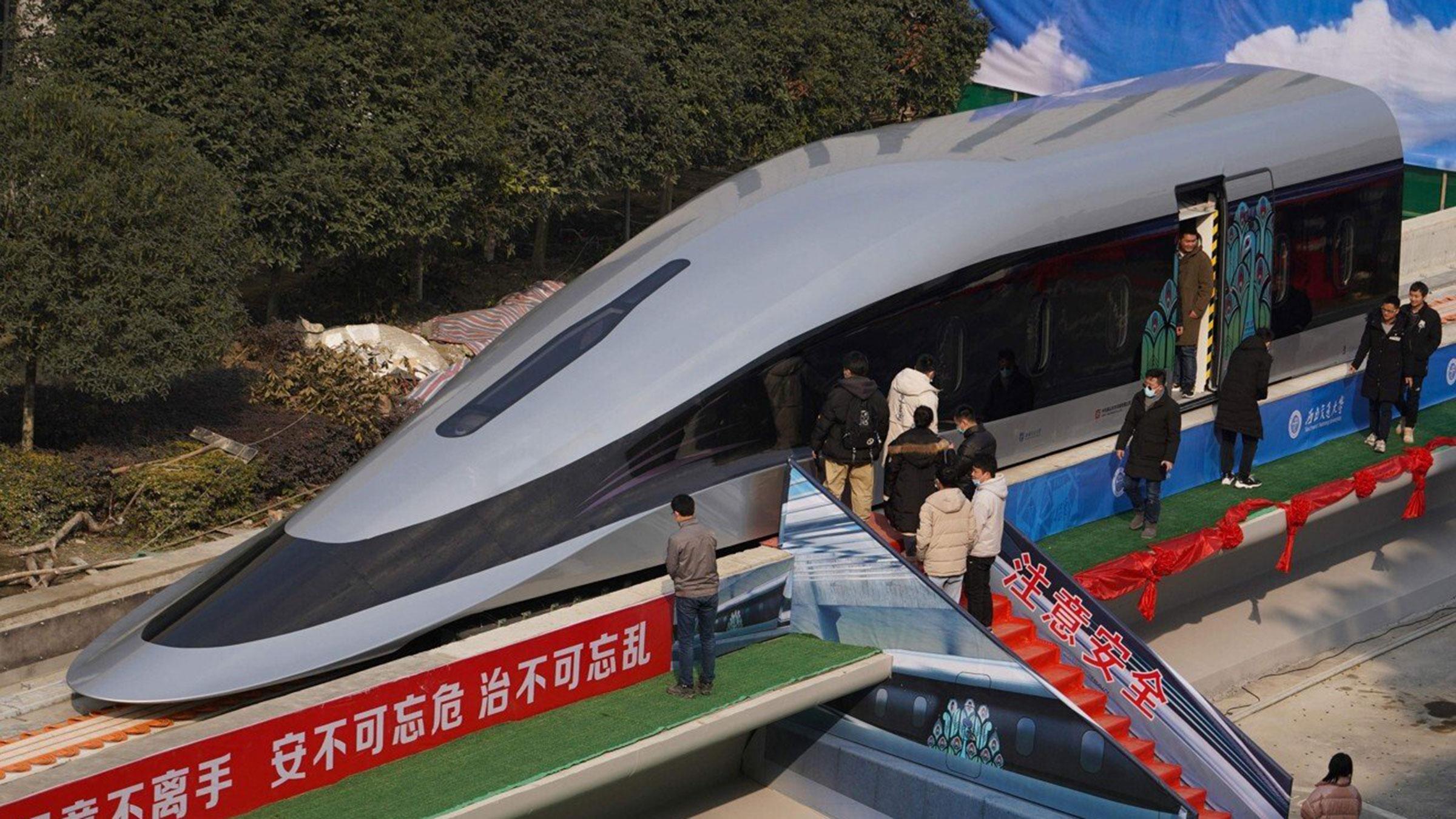 Tren que correría a 600 kilómetros por hora