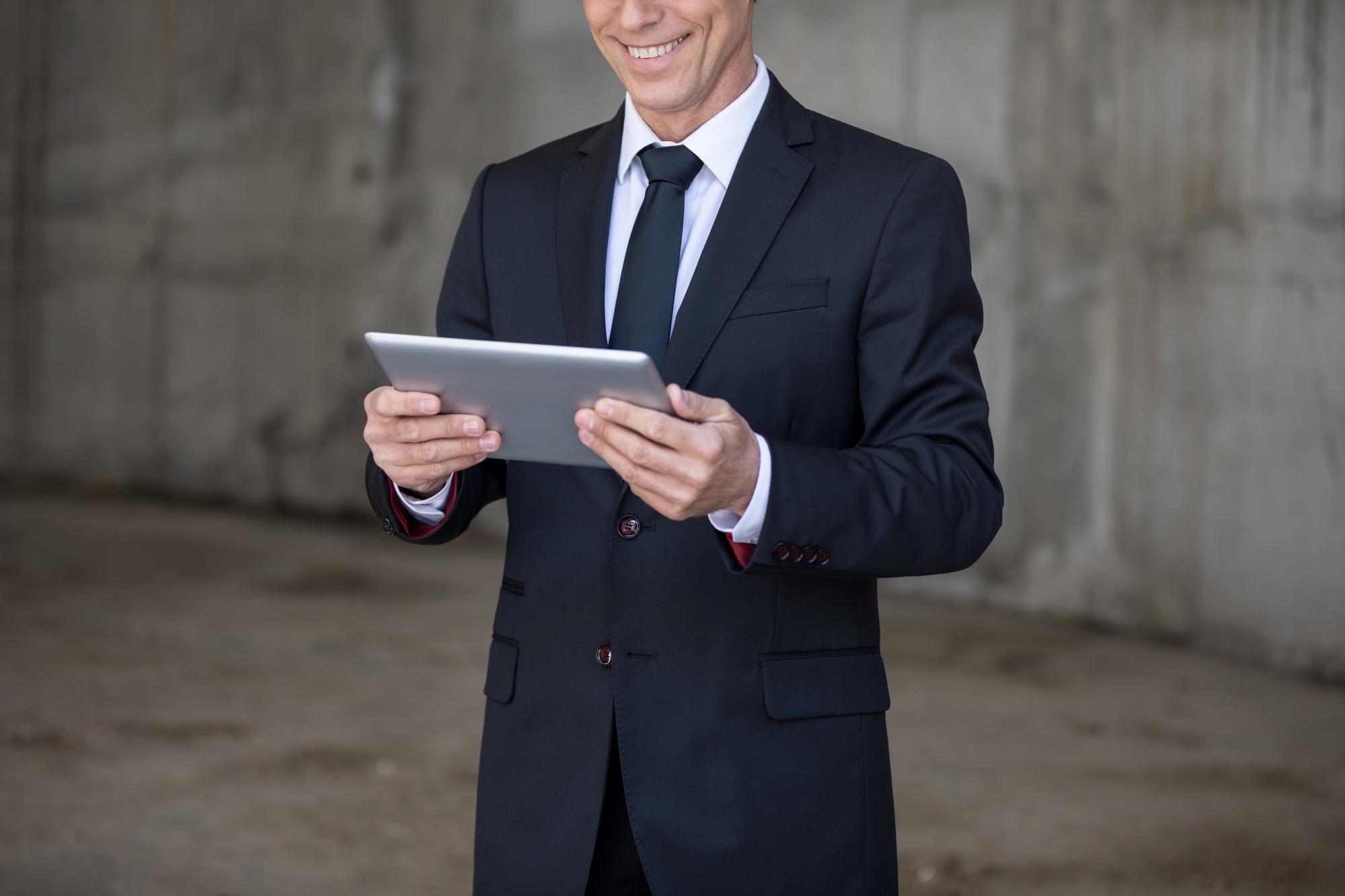 Consejos y guía para elegir la tablet más adecuada para tu padre