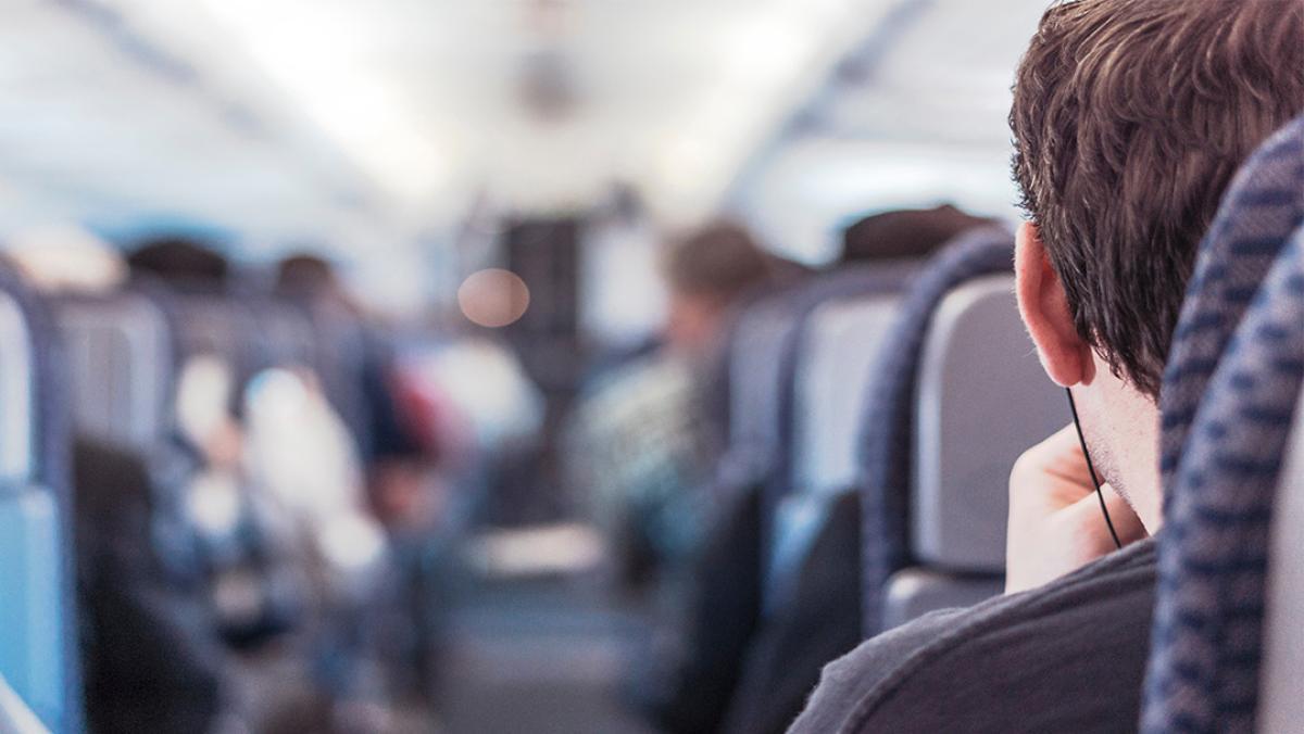 El truco para comprar vuelos más baratos usando una VPN
