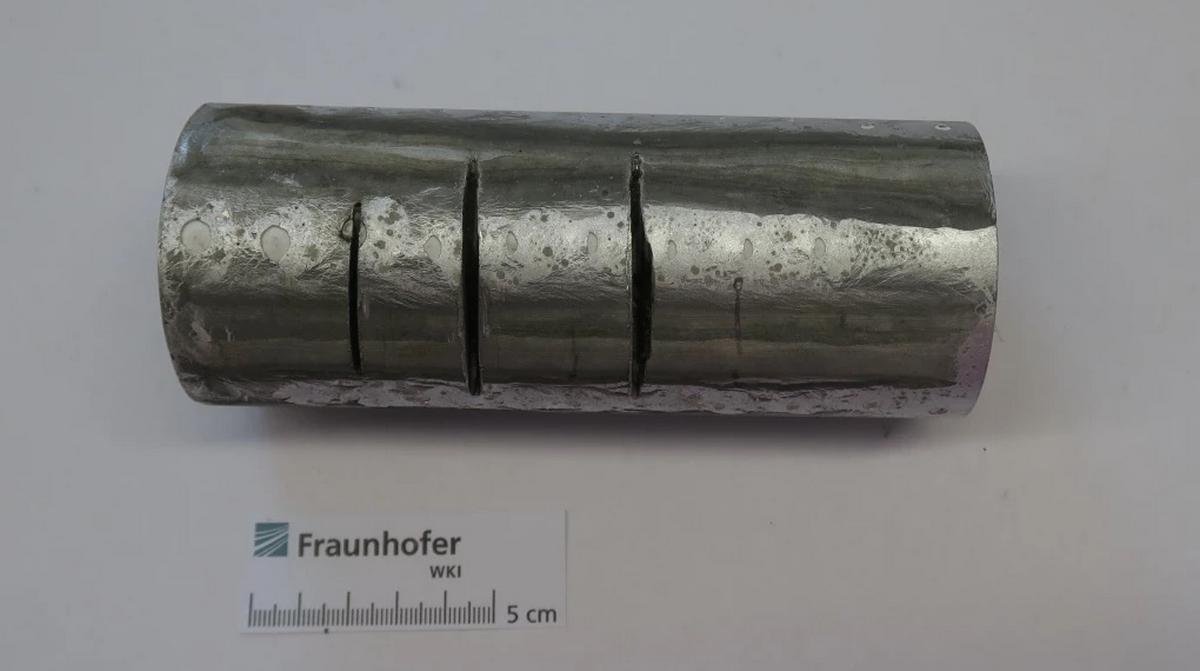 Proteus, el primer material que no se puede cortar, destruye amoladoras, sierras y taladros