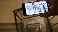 iPhone 13 Pro caída escaleras