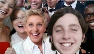 El selfie de Los Oscar con pequeño Nicolás meme