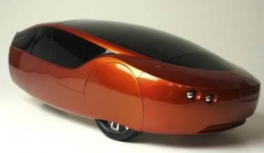Un coche eléctrico con chasis de aluminio y múltiples piezas impresas en 3D.