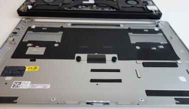 Dell XPS 15 tapa inferior