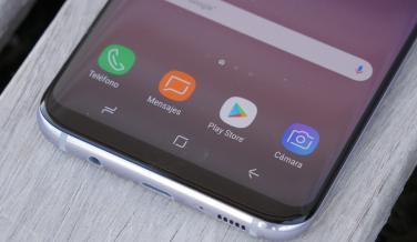 Detalle de los delgados marcos que tiene la pantalla de los nuevos Galaxy S8