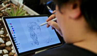 Samsung Galaxy Tab S4 dibujando con el Spen