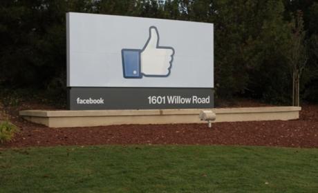 No hay Facebook Phone, pero sí Facebook Home