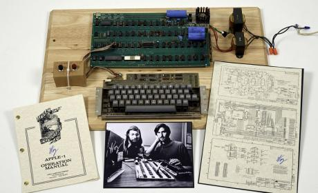 Apple I de 1976, creado por Steve Jobs y Steve Wozniak
