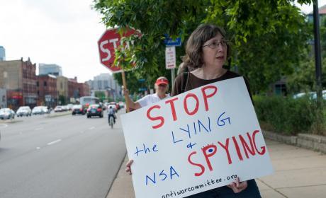 La NSA controla 'casi todo' lo que se mueve en Internet