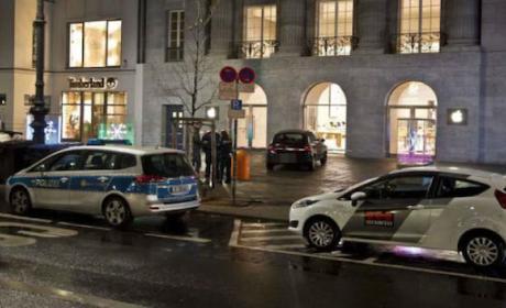 Atracan tienda Apple en Berlín