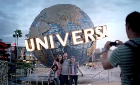 Universal ¿plagia? el spot navideño del iPhone 5S de Apple