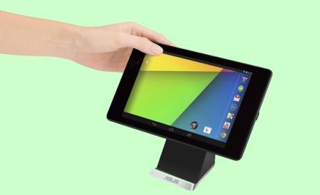 ASUS PW100, la estación de carga (dock) piramidal de tecnología Qi que te permite usar tu tablet o smartphone mientras se carga, incluso en vertical.