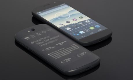 YotaPhone 2, el smartphone con dos pantallas, una de ella con tinta electrónica, siempre encendida.