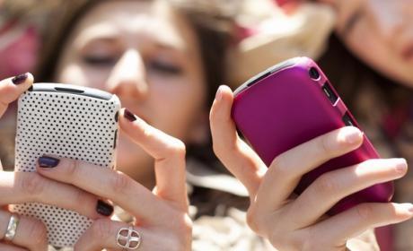 Las excusas por el móvil no sirven, siempre te pillan. Los jóvenes usan el móvil para cancelar planes por mensajería instantánea, según Tuenti e IPSOS