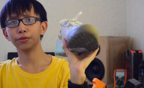 Niño de 15 años crea unos zapatos que generan electricidad