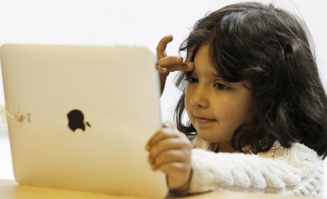Pediatras del Hospital de San Diego han detectado casos de alergias al niquel y dermatitis en niños, provocadas por el contacto con la carcasa del iPad.