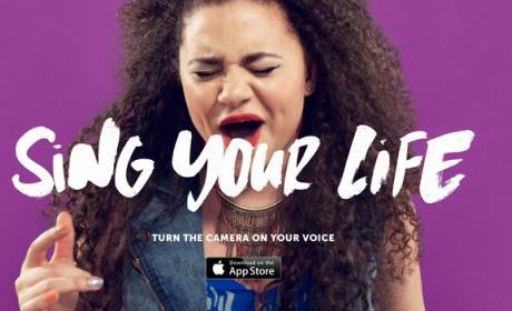 Hook'd, llegan los selfies musicales. Selfies con karaoke para grabar un vídeo mientras cantas.