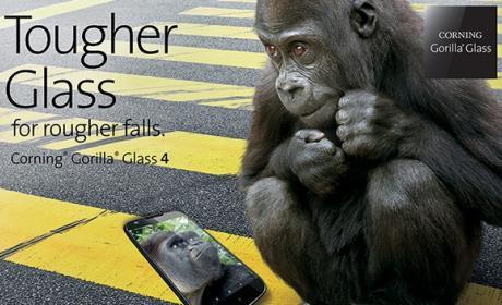 Corning Gorilla Glass 4 protege tu smartphone del 80% de las caídas en superficies rugosas.