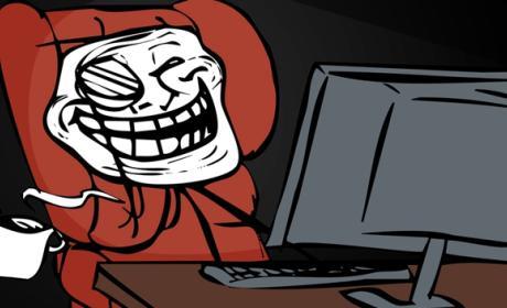 Troll Internet Twitter Mujeres