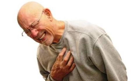 omeprazol infarto