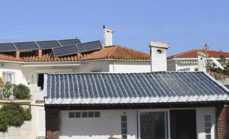 Crean tejas de vidrio para sustituir a los paneles solares