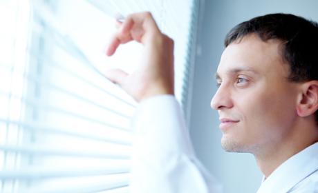 Crea una ventana capaz de evitar la entrada de calor en ella