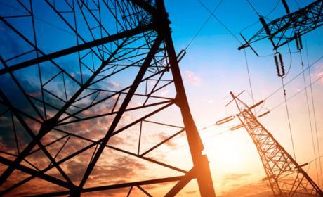Compañías eléctricas recortan plazo pagar facturas luz