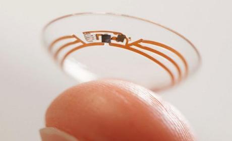 Google patenta unas lentillas inteligentes con energía solar