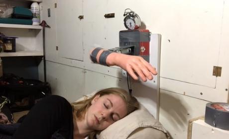 El despertador Arduino que te da un bofetón para que te despiertes