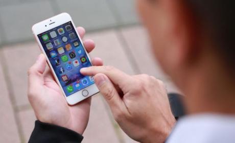 El próximo iPhone 7 podría ser blindado y flotaría en el agua