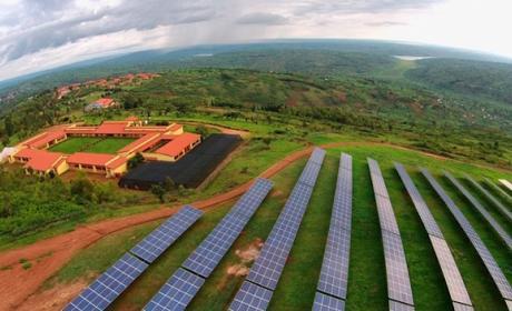 La granja solar de Ruanda que pretende dar luz a toda África