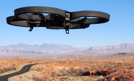 Los drones suponen una amenaza para la seguridad de los aviones tripulados. Podrían provocar accidentes aéreos