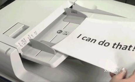 Esta fotocopiadora puede traducir documentos automáticamente