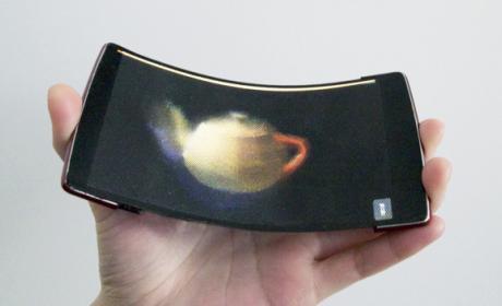 HoloFlex, un móvil flexible con pantalla holográfica