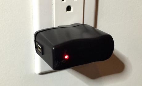 KeySweeper, el falso cargador que graba todo lo que escribes